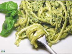 Linguine al Pesto Raw - Ricetta Crudista di CBE - YouTube