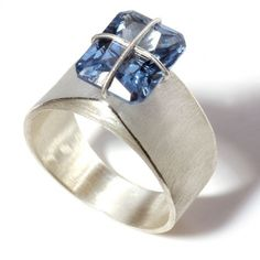 Krzysztof Roszkiewicz,http://pinterest.com/teresasoares/jewels/?page=61# ring