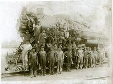 do you see anybody you know? interested in a copy leave information Old Pictures, Old Photos, Harlan County, Going Home, Homeland, Kentucky, Black Gold, Trains, Roots