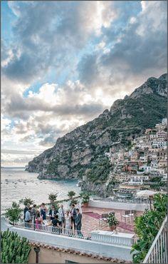 A symbolic wedding ceremony in Positano at Hotel Marincanto. Wedding reception at Le terrazze restaurant in Positano. Amalfi Coast wedding photography by Positano wedding photographers at www.alfonsolongobardi.com