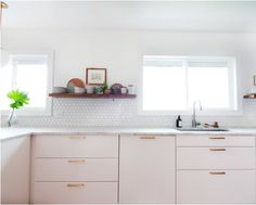 House Renovations, Kitchen Handles, Double Vanity, Sweet Home, Kitchen Cabinets, Sexy, Inspiration, Home Decor, Kitchens