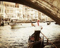Fotografia di Venezia - Gondola Ride - ponte di Rialto - Venezia Gondola barca - tramonto - Italia Photogrpahy on Etsy, 14,87€