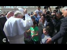 "▶ Pope Francis among the ""little ones"" - YouTube"