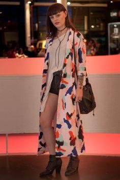 """Marina Peixoto: """"Esse look é básico, porém o quimono deu uma destacada. O que estou vestindo hoje reflete a minha personalidade: ora sou meio dark, ora sou básica"""""""