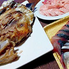 贅沢な頂き物で晩御飯(*´∀`*) 脂がのってて最高(*˘︶˘*).。.:*♡ (*´ω`人)感謝です(ㅅ˘˘)♡*.+゜ - 56件のもぐもぐ - 鮪のカマ&トロ&鯖の刺身 by yukimaru218