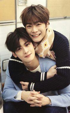 my little binu heart exploded when I got to this page Astro Boy, Cha Eunwoo Astro, Kpop Couples, Cute Anime Couples, Kim Myungjun, Park Jin Woo, Astro Sanha, Day6 Sungjin, Bts Boys