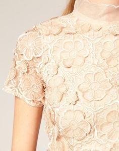 3D flower bodice dress, preeeetty
