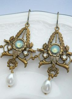 Jewelry for woman Jewelry Art, Jewelry Accessories, Fashion Accessories, Jewelry Design, Fashion Jewelry, Wedding Accessories, Victorian Jewelry, Antique Jewelry, Vintage Jewelry