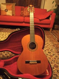 Gifts for Guitar Players and Tips on What to Buy for Beginners and Accomplished Guitarists Alike.
