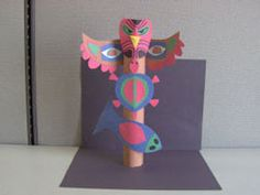 Show your child how to make a paper totem pole to celebrate Native American Heritage Month. Discover the significance and history of totem poles. Native American Projects, Native American Heritage Month, Native American Art, Totem Poles For Kids, Totem Pole Craft, Fall Crafts, Arts And Crafts, Paper Crafts, Easy Art Lessons