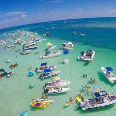 """Sandbar Sundays!  Islamorada Sandbar  F L  R  D A Keys . .  Photo Cred @keylargoadventures  #staysaltyflorida #staysalty #florida #floridalife…"""