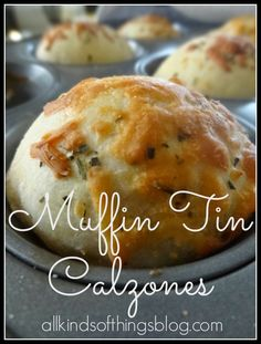 Muffin Tin Calzones- veganise using Pilsbury refrig canned crust, Tofutti ricotta and faux pepperoni Muffin Pan Recipes, Appetizer Recipes, Appetizers, Appetizer Dinner, Vol Au Vent, Good Food, Yummy Food, Tasty, Stromboli