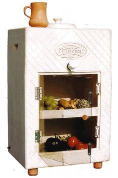 Le système en terre cuite (pot-in-a-pot) pour la conservation des légumes, mais réalisé en Inde façon armoire... J'en rêverais chez moi !!!
