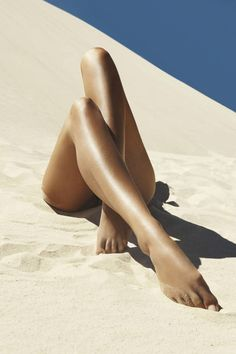 Secrets For The Perfect Bikini Wax Shoba Tummala, founder of Shoba hair removal salons, shares how to have a seamless waxing experience.Shoba Tummala, founder of Shoba hair removal salons, shares how to have a seamless waxing experience. Nude Photography, Black And White Photography, Bikini Rouge, Bikini Wax, Foto Fashion, Man Fashion, Women Legs, Beautiful Legs, Naturally Beautiful