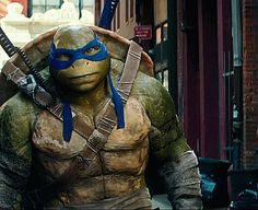Lol, I love this scene and his face. Ninja Turtles Cartoon, Teenage Mutant Ninja Turtles, Ninja Turtles 2014, Tortugas Ninja Leonardo, Ninja Wallpaper, Tmnt Leo, Leonardo Tmnt, Tmnt 2012, Turtle Love