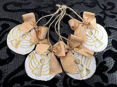 RebekaP / Zlaté anjeliky - drevené vianočné ozdôbky Handmade Wooden, Desserts, Food, Tailgate Desserts, Deserts, Essen, Postres, Meals, Dessert