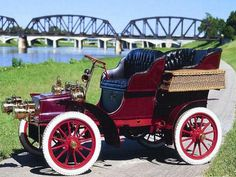 1904 Cadallic Model B Touring Car....great wicker baskets..