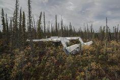 Dietmar Eckell reist um die ganze Welt, um Wracks von abgestürzten Flugzeugen zu fotografieren. Aber nur, wenn alle Insassen überlebt haben.