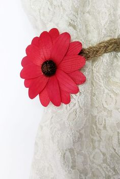 - DIY Magnetic Curtain Tie-Backs (Dead-Simple that Looks Great) is today news for you. Check out Magnetic Curtain Tie Backs, Curtain Ties, Drop Cloth Curtains, Door Curtains, Build Your Own Computer, Do It Yourself Projects, Easy Projects, Magnets, Crafty