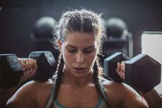 This CrossFit Workout Looks Insane (but That's Why It's So Awesome!) Ganzkörper-CrossFit-Training Source by . Best Dumbbell Exercises, Dumbbell Workout, Thigh Exercises, Compound Exercises, Chair Exercises, Weekly Workout Plans, Workout Plan For Women, Training Plan, Strength Training