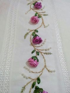 Pretty embroidered combination: Ribbon Roses & Leaves, Silk Embroidery for Stems & Small Leaves and Pearls Emy s gallery silk ribbon embroidery techniques – Artofit This Pin was discovered by Emi Get some > Ribbon Embroidery Flowers Learn how to embroid Ribbon Embroidery Tutorial, Silk Ribbon Embroidery, Embroidery Stitches, Embroidery Patterns, Hand Embroidery, Embroidery Books, Simple Embroidery, Ribbon Art, Ribbon Crafts