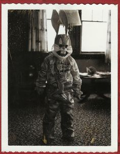 Child in a Bugs Bunny Costume…. Vintage Halloween Photos, Vintage Halloween Images, Vintage Halloween Decorations, Halloween Pictures, Vintage Photos, Boxing Halloween Costume, Creepy Halloween, Fall Halloween, Happy Halloween