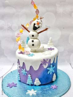 olaf cake & olaf + olaf drawing + olaf cake + olaf birthday party + olafur eliasson + olaf frozen 2 + olaf cupcakes + olaf quotes from frozen 2 Tarta Frozen Disney, Anna Frozen Cake, Cupcakes Frozen, Anna Cake, Frozen Theme Cake, Frozen 2, Olaf Cupcakes, Olaf Birthday Cake, Frozen Birthday Party