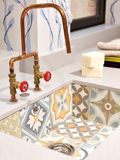 Ideas para lograr la cocina perfecta - Man Tutorial and Ideas Kitchen Sink Design, Home Decor Kitchen, Home Kitchens, Diy Home Decor, Küchen Design, House Design, Home Interior Design, Interior Decorating, Rustic Country Kitchens