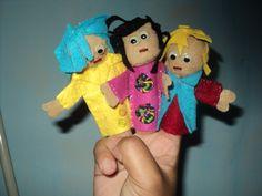 Customizando os nossos dedoches! http://ludimidia.blogspot.com.br/2012/11/personalizando-os-nossos-modelos-de.html