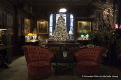 Inside NYC's Gilded Age National Arts Club in Gramercy Park... There are some places you step into and you're instantly whisked into a bygone time. The National Arts Club in Gramercy Park, NYC is one of those.