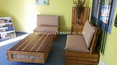 Outdoor sofa & table with pallets 8