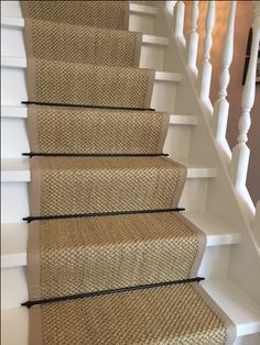 Best Carpet Runners For Stairs Painted Staircases, Painted Stairs, Carpet Staircase, White Staircase, Staircase Makeover, Staircase Remodel, House Stairs, Diy Carpet, Cheap Carpet
