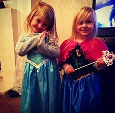 Lux and Hedi are Anna and Elsa Baby Lux, Hands Together, Cute Little Baby, One Direction, Daughter, Outfits, Elsa, Families, Girls