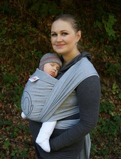 Benefits of babywearing It is natural for baby to be close to his mother. Babies are happiest when being held by mom. Babywearing is a great practice for keeping baby happy and to help build a stronger bond between mom and her baby. The benefits of babywearing help babies grow up smarter and happier.