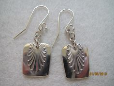 Musla-korvikset Fork Jewelry, Sewing To Sell, Silver Jewellery, Spoons, Helmet, Arts And Crafts, Jewelry Making, Drop Earrings, Beads