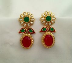 Jewelry Design Earrings, Coral Jewelry, India Jewelry, Gold Jewellery Design, Antique Earrings, Antique Jewelry, Diamond Earrings Indian, Imitation Jewelry, Jewelry Patterns