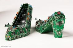 motherboard-art3 Old Printed Circuit Boards Turned into Sculptures
