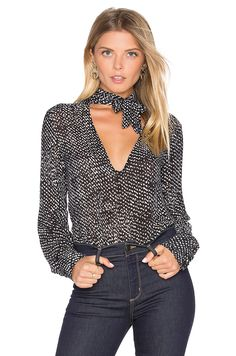 Shop for Bella Dahl Tie Neck Blouse in Black at REVOLVE. Free day shipping and returns, 30 day price match guarantee. Casual Outfits, Fashion Outfits, Womens Fashion, Tie Neck Blouse, Revolve Clothing, Blouse Styles, Casual Chic, Passion For Fashion, Ideias Fashion