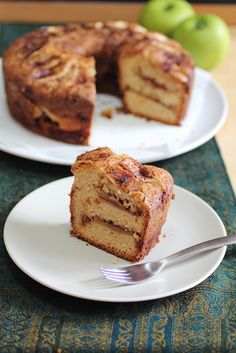 What an invitingly lovely autumn dessert: Cinnamon Apple Coffee Cake. #food #cinnamon #apple #coffee #cake #autumn #fall
