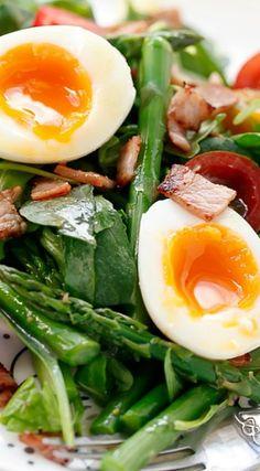 BLT Breakfast Salad with Honey Mustard Dressing