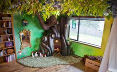 Loving Dad Builds Incredible Fairy Tree Reading Nook in His Daughter's Bedroom - My Modern Met