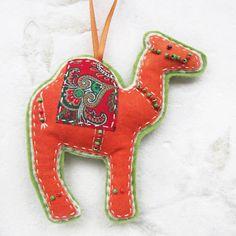 Christmas decoration - camel idea for wool camel Felt Christmas Decorations, Felt Christmas Ornaments, Handmade Christmas, Xmas Crafts, Felt Crafts, Camel Craft, Camelo, Christmas Makes, Felt Toys
