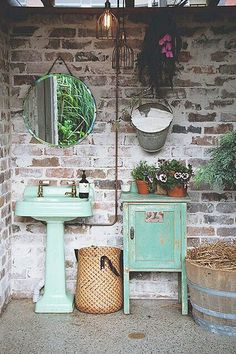 Get inspired by this vintage decor ideas! #vintagedecor #vintageindustrialstyle #vintagehomeideas http://vintageindustrialstyle.com