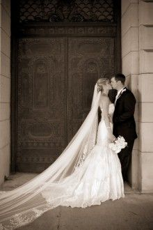 In-Vision Studio - Amazing wedding photography this shot.. I need a cathedral veil...:)