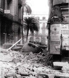 Barcelona bombardeada. Ramblas-Plaza Real. 1938. (Album GUERRA CIVIL en BARCELONA)