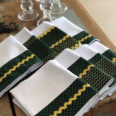 Crafts To Make, Napkin Rings, Napkins, Towel, Sewing, Projects, How To Make, Instagram, Home Decor