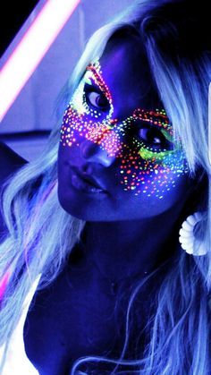 Neon face paint options- get your black light glow on! Glow Party, Party Make-up, Disco Party, Party Wedding, Party Games, Glow Run, Uv Makeup, Dark Makeup, Makeup Bar