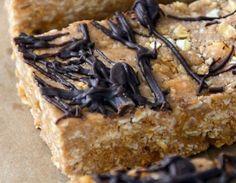 Μπάρες δημητριακών με φυστικοβούτυρο και σοκολάτα