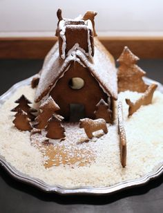 Gingerbread house made with Orthex 3D cookie cutter