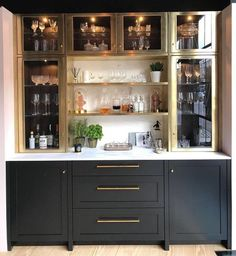 65 Best and Cool Home Bar Design Confused to make a bar room? On the topic of design for our favorite home is to discuss the design of the bar room that will be in our home. Diy Home Bar, Home Bar Decor, Bars For Home, Home Wine Bar, Small Home Bars, Mini Bar At Home, Bar Interior, Room Interior, Interior Design